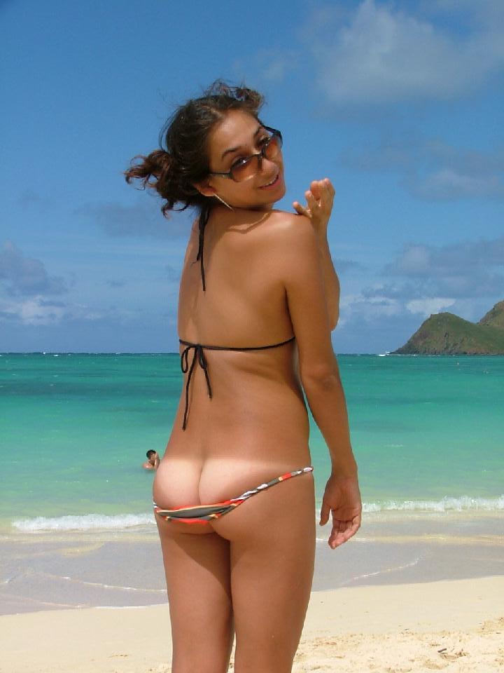 Cute bikini butts